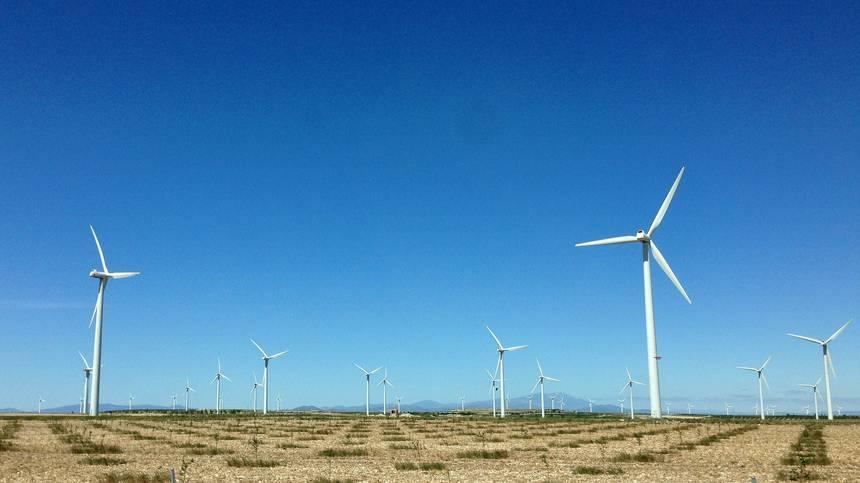 Spain-turbines.jpg.860x0_q70_crop-scale