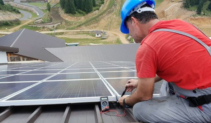 Rooftop_Residential_Solar_Panels_Installation_Power_PV_XL_721_420_80_s_c1